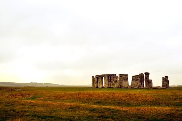 podzimní Stonehenge