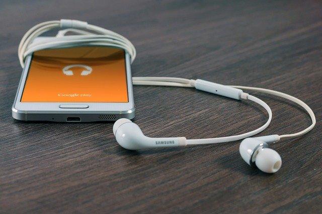 sluchátka v telefonu